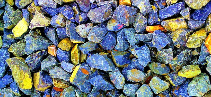 Gravel with interesting colors like blue and yellow